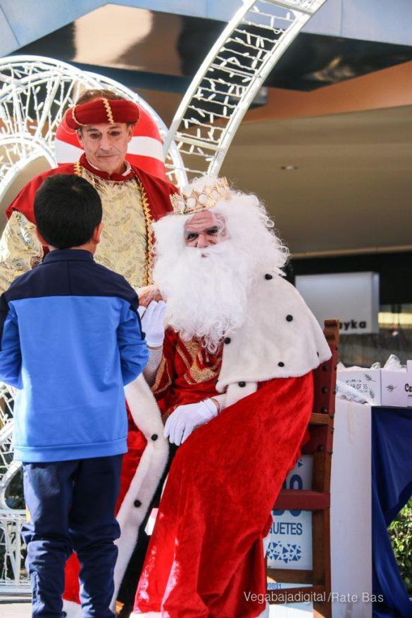 Los Reyes Magos también llegan a Orihuela Costa 17