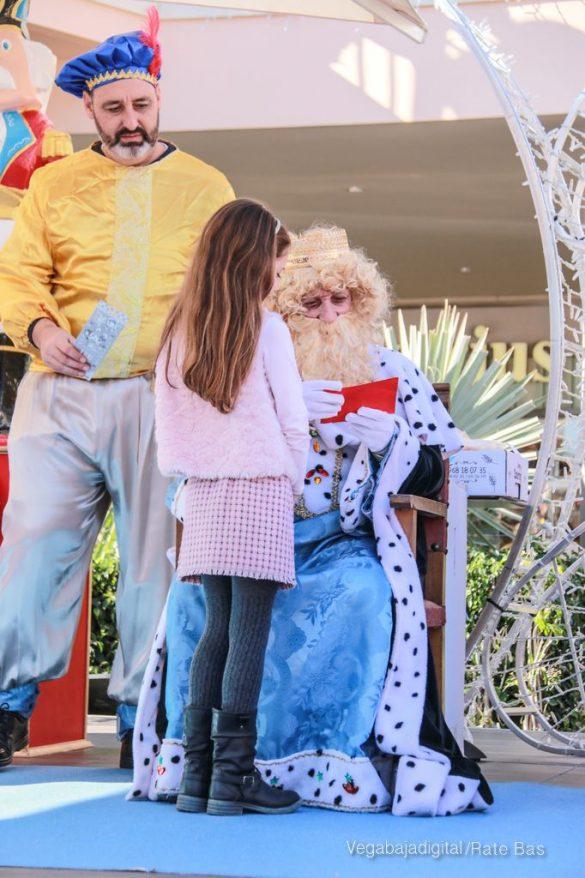 Los Reyes Magos también llegan a Orihuela Costa 16