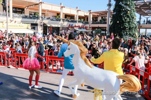Los Reyes Magos también llegan a Orihuela Costa 15