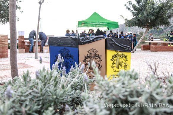 Los escolares de Orihuela reforestan el monte de San Miguel 7