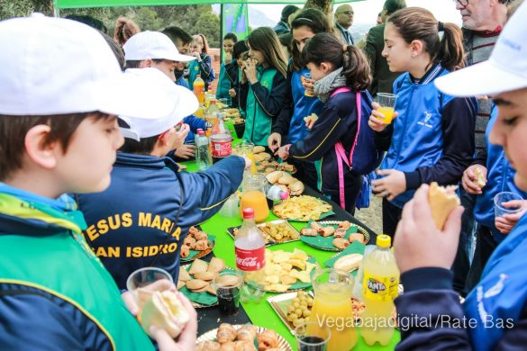 Los escolares de Orihuela reforestan el monte de San Miguel 8
