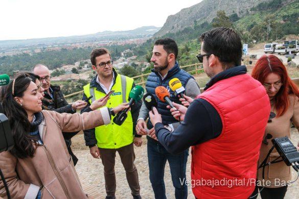 Los escolares de Orihuela reforestan el monte de San Miguel 17