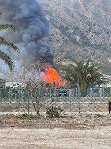 Los bomberos intervienen en dos incendios en Orihuela 7