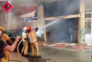 Un incendio obliga al desalojo de un edificio de Torrevieja 7