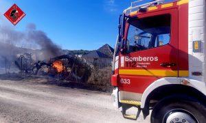 Un incendio obliga a desalojar un edificio en Torrevieja 8
