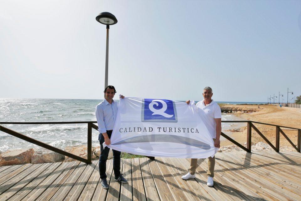 Torrevieja pierde una bandera azul en sus seis habituales playas 6