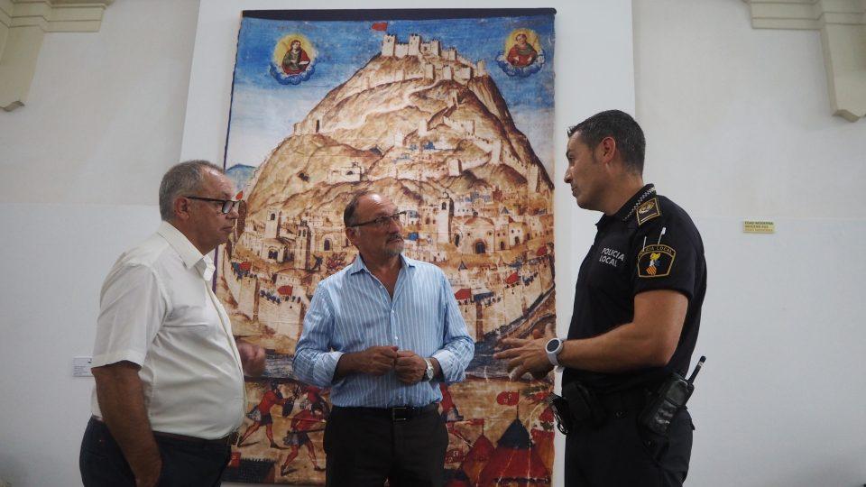 Identifican al autor de las pintadas del Castillo de Orihuela 6
