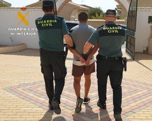 Detenidos 12 traficantes de drogas que ocupaban casas de la Vega Baja para cultivar 9