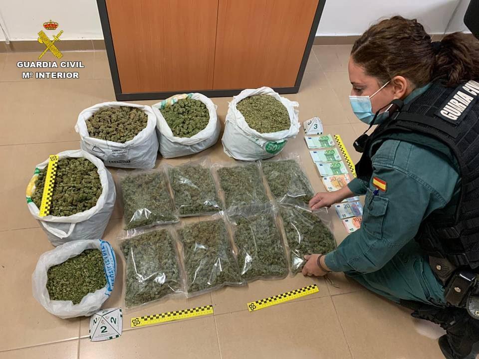 Incautan más de 14 kilogramos de marihuana en dos controles perimetrales en Orihuela 6