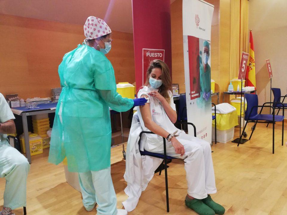 Comienza la vacunación a los sanitarios de los hospitales de la Vega Baja 6