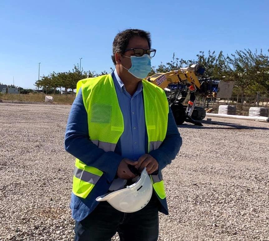 Dolores invierte casi 164.000  euros en mejoras del polígono industrial 6