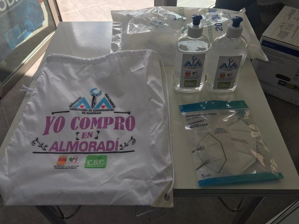 El comercio de Almoradí adopta medidas higiénico sanitarias para la compra segura 6