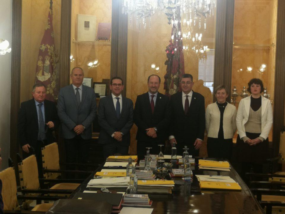 Las Cortes se reúnen en Orihuela y constituyen la Comisión de Estudio de la DANA 6