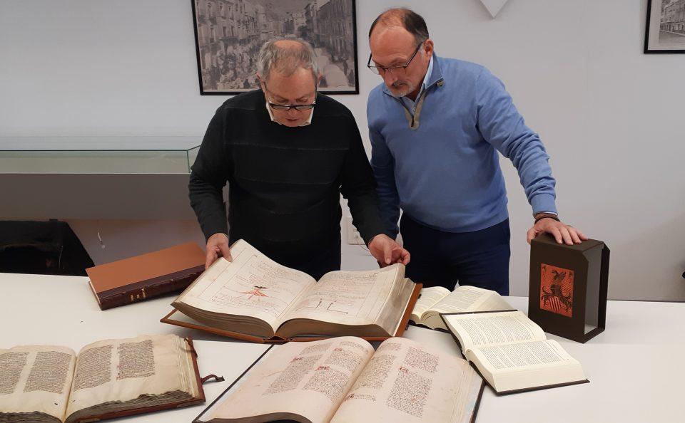 """Incorporan nuevas """"joyas"""" al patrimonio bibliográfico municipal de Orihuela 6"""