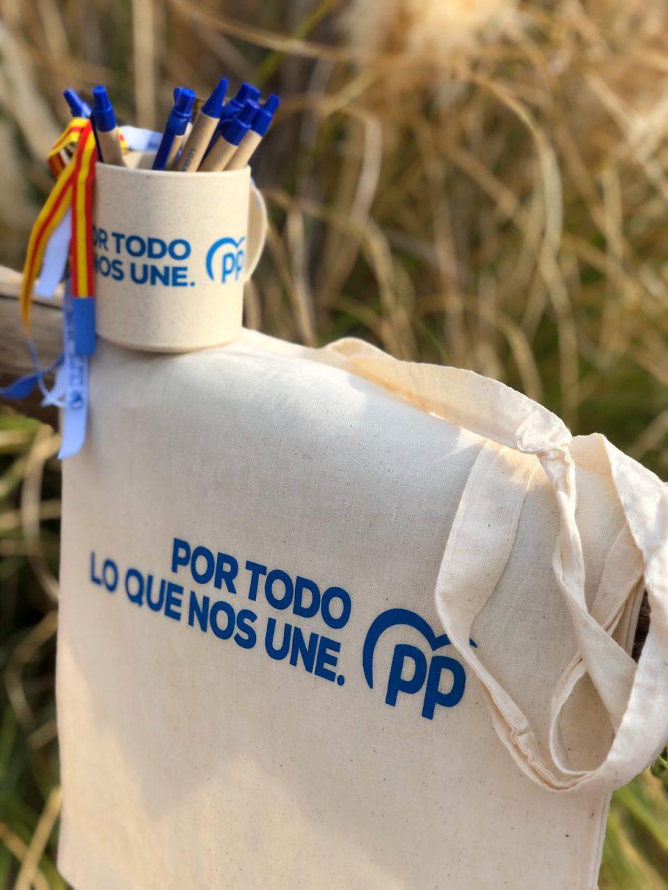 El PP utiliza 'merchandising' ecológico en la campaña electoral 6