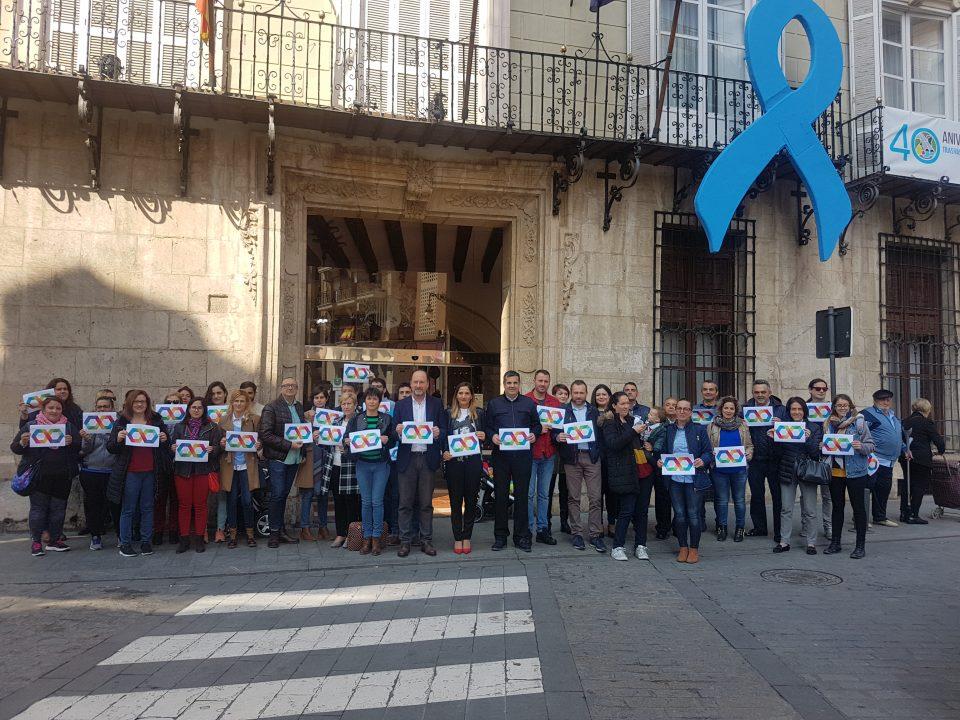 Orihuela conmemora el Día Mundial del Autismo con la lectura de un manifiesto 6