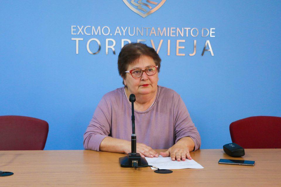 El 29 de abril será día aperturable para las grandes superficies de Torrevieja 6
