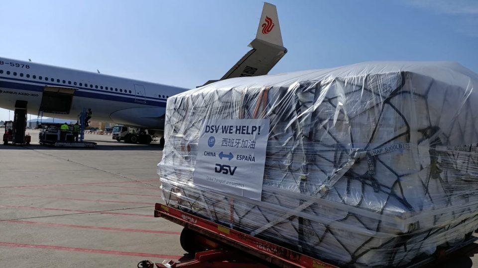 Llegan dos nuevos aviones con material sanitario para la Comunidad Valenciana 6