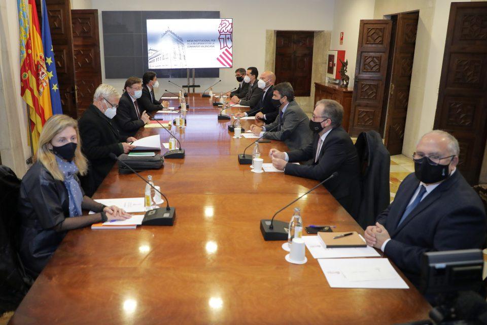 Ximo Puig anuncia un fondo de cooperación para los sectores más afectados por la pandemia 6