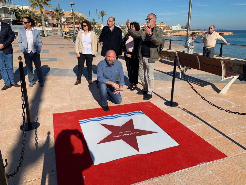 Miguel Albadalejo descubre su estrella en el Paseo de Cine pilareño 6