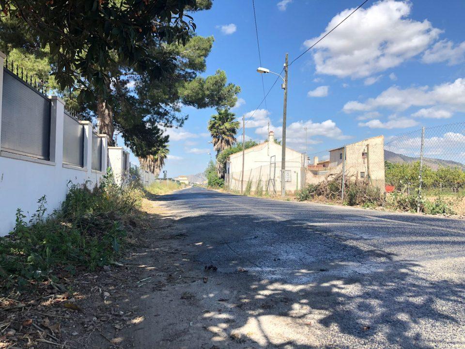 Continúa el asfaltado en Molins reparando lo causado por la DANA 6