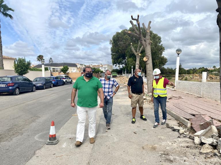 Comienzan las obras de asfaltado en La Regia en Orihuela Costa 6
