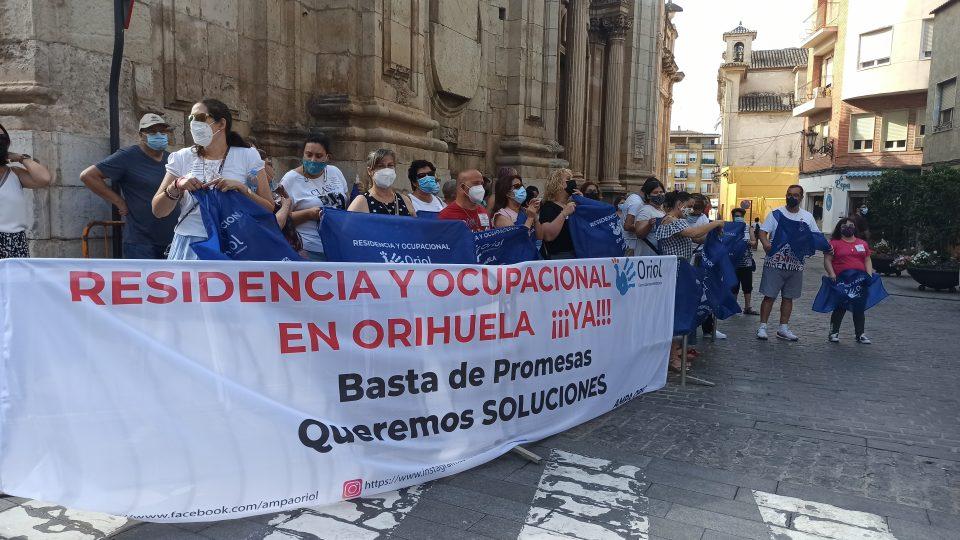 La AMPA Oriol exige soluciones urgentes en la mejora del cuidado de sus usuarios con diversidad funcional 6