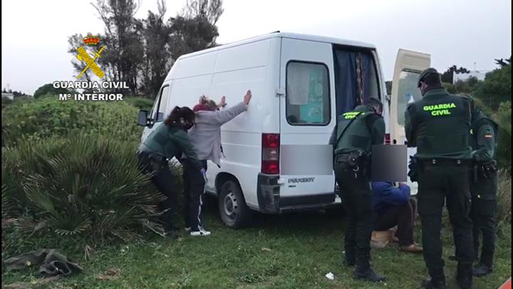 Detenidos los presuntos autores de robos con fuerza en Orihuela Costa 6