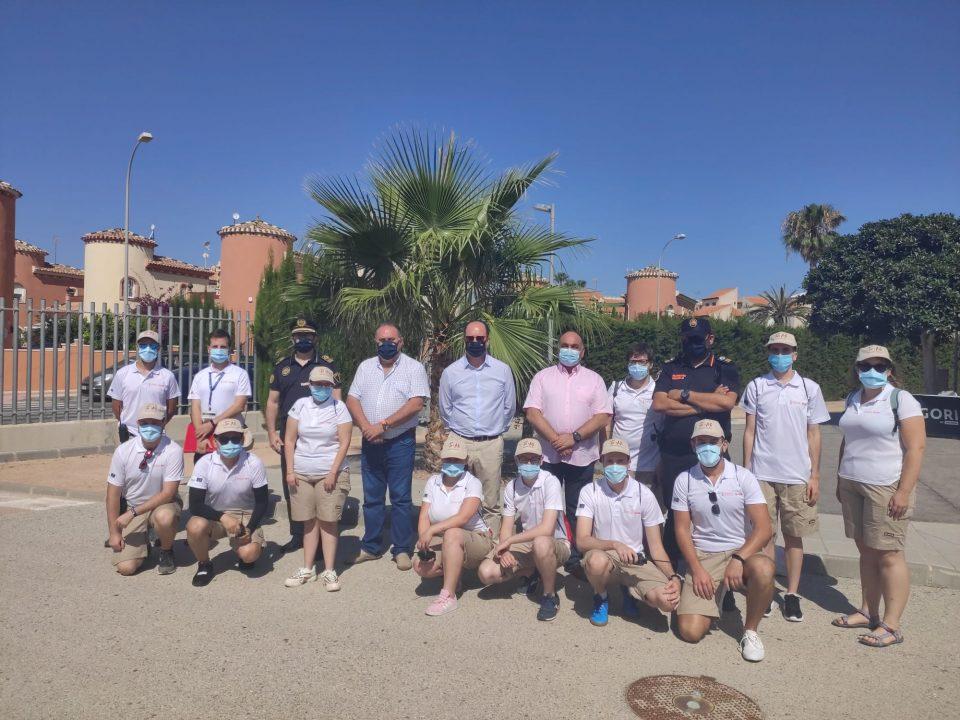 Orihuela contará durante el verano con 24 auxiliares de playa 6