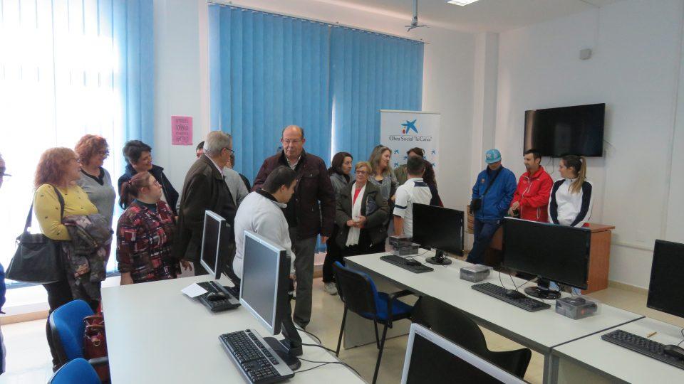 El Centro de Día Gregorio Ortiz de Pilar de la Horadada recibe cinco ordenadores 6
