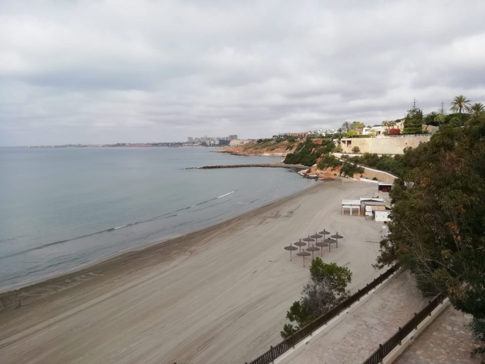 Cambiemos y CLARO denuncian medidas de seguridad insuficientes en las playas de Orihuela 6