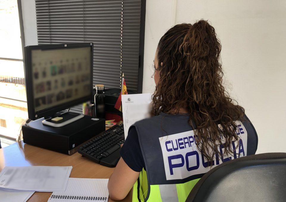 La Policía Nacional de Orihuela evita un encuentro sexual de un hombre con un menor 6