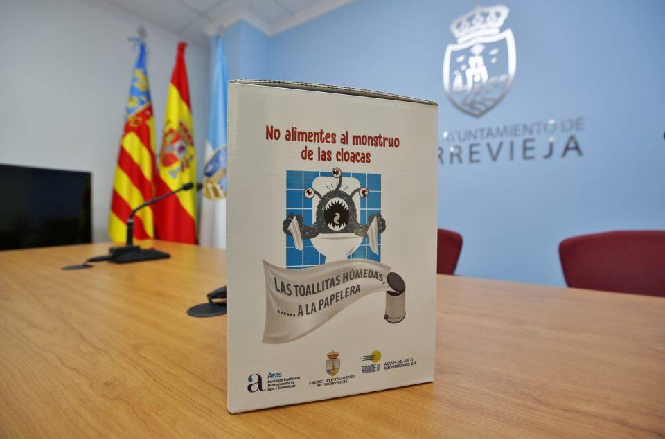 "Torrevieja lucha contra ""El Monstruo de las toallitas"" 6"