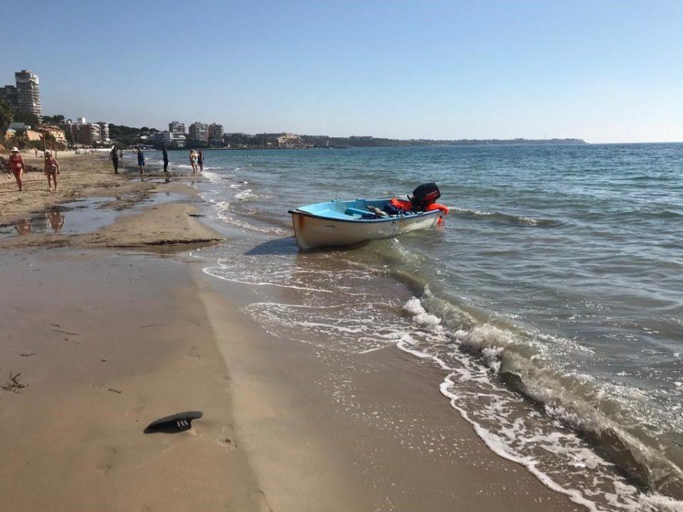 Llegan dos pateras a Guardamar y Orihuela Costa 6