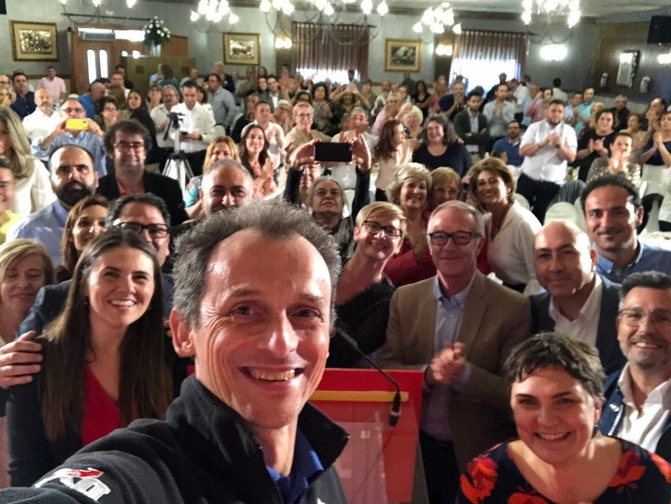 Pedro Duque y José Guirao muestran el respaldo del PSOE a la Vega Baja en un acto en Dolores 6