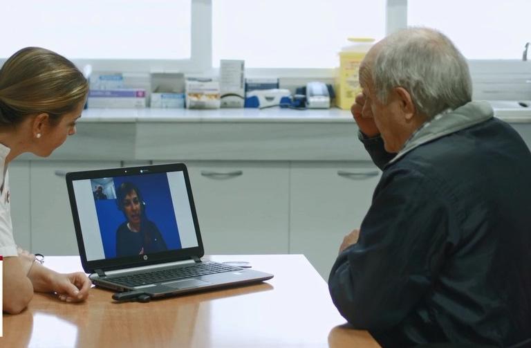 El Hospital de Torrevieja apuesta por herramientas que faciliten la comunicación con pacientes 6