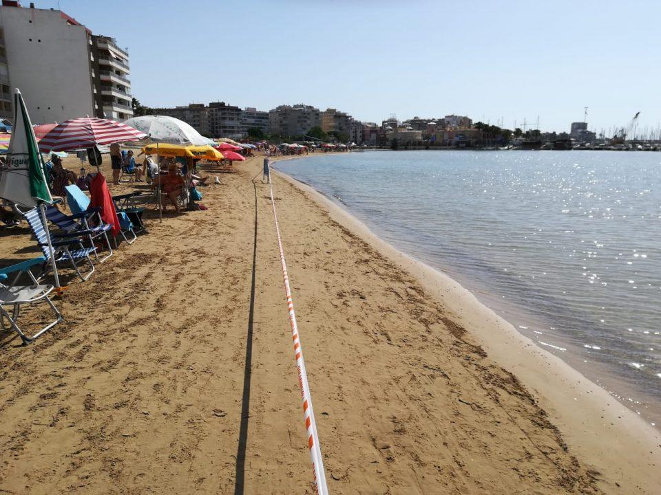 Cierran la playa del Acequión por un vertido de fecales 6