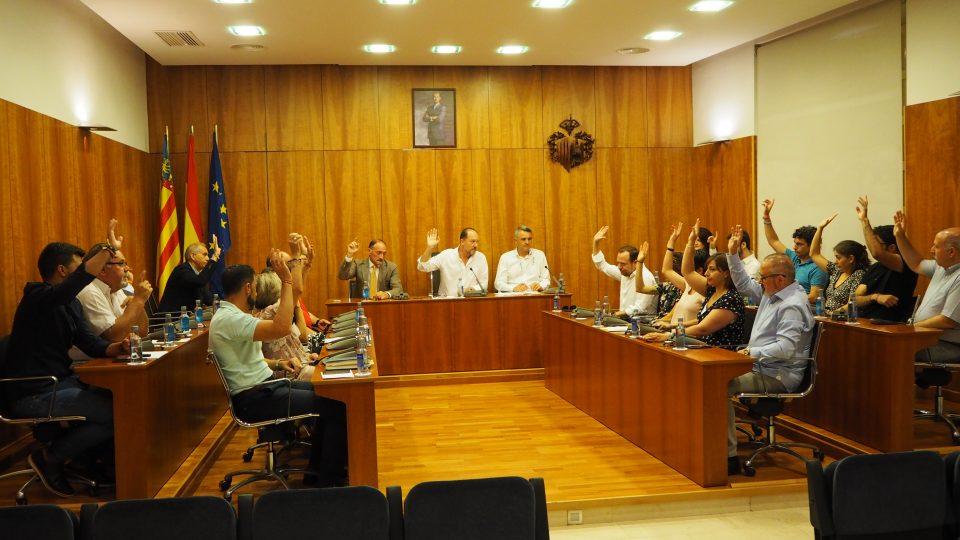 Unanimidad en el pleno para nombrar a Marcelino Asuar como Síndico del Oriol 6