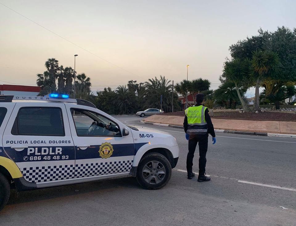 La Policía Local de Dolores instruye 17 multas por no respetar el estado de alarma 6