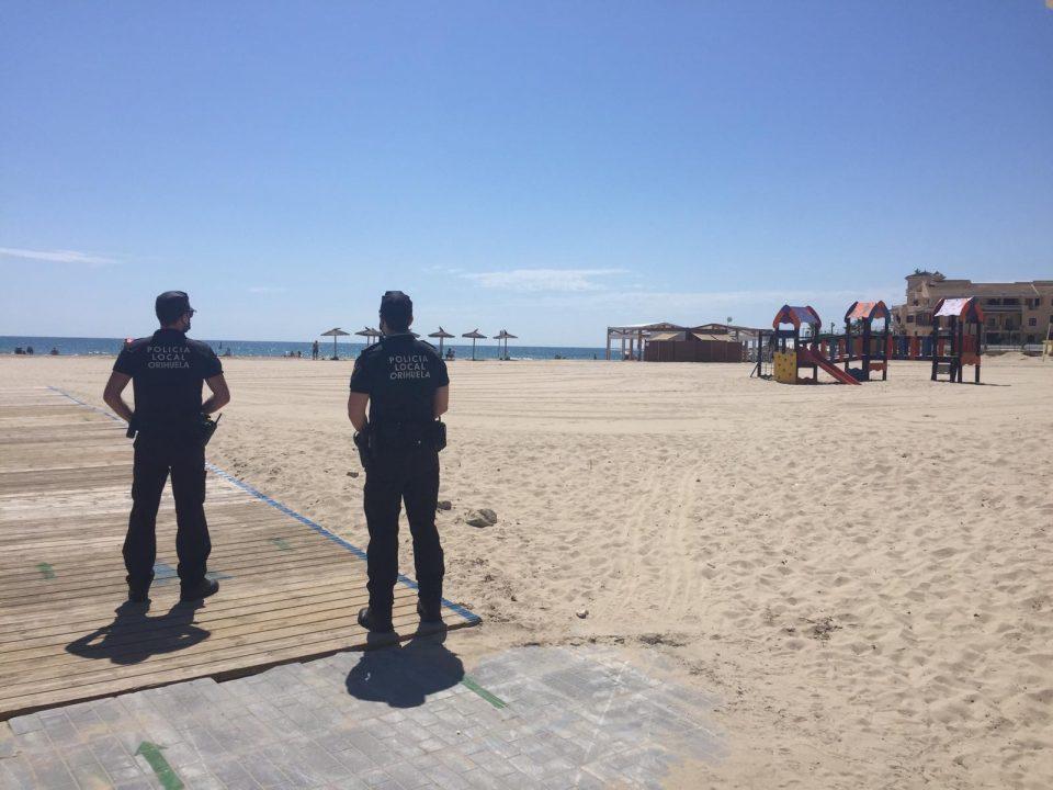 Orihuela suspende las hogueras en las playas en la noche de San Juan 6