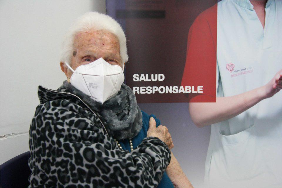 El Dpto. de Salud de Torrevieja comienza la vacunación contra la Covid19 a mayores de 90 años 6