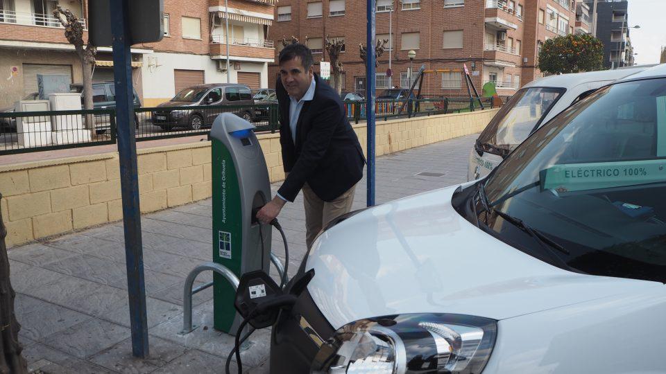 Orihuela apuesta por la movilidad eléctrica 6
