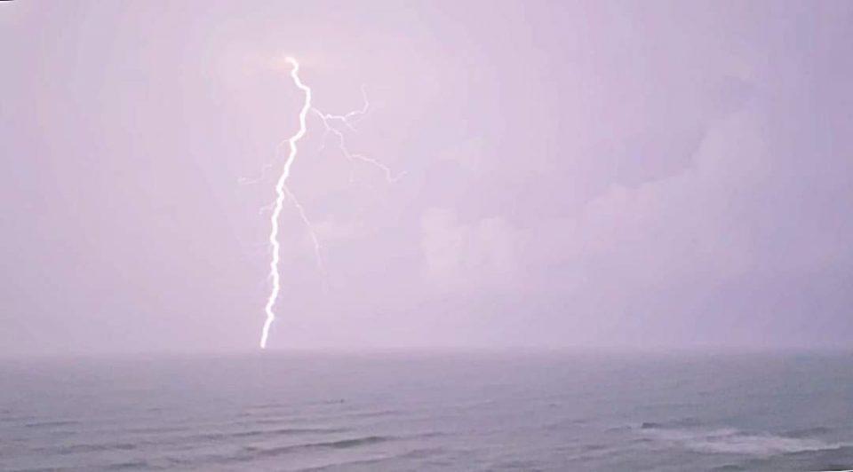 Las lluvias de la pasada madrugada provocan el corte de luz en algunas zonas en Torrevieja 6