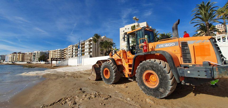 La regeneración de la playa de Los Locos ensanchará unos 20 metros el tramo central 6