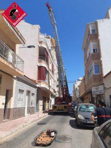Los bomberos rescatan a una persona con obesidad mórbida en Torrevieja 7
