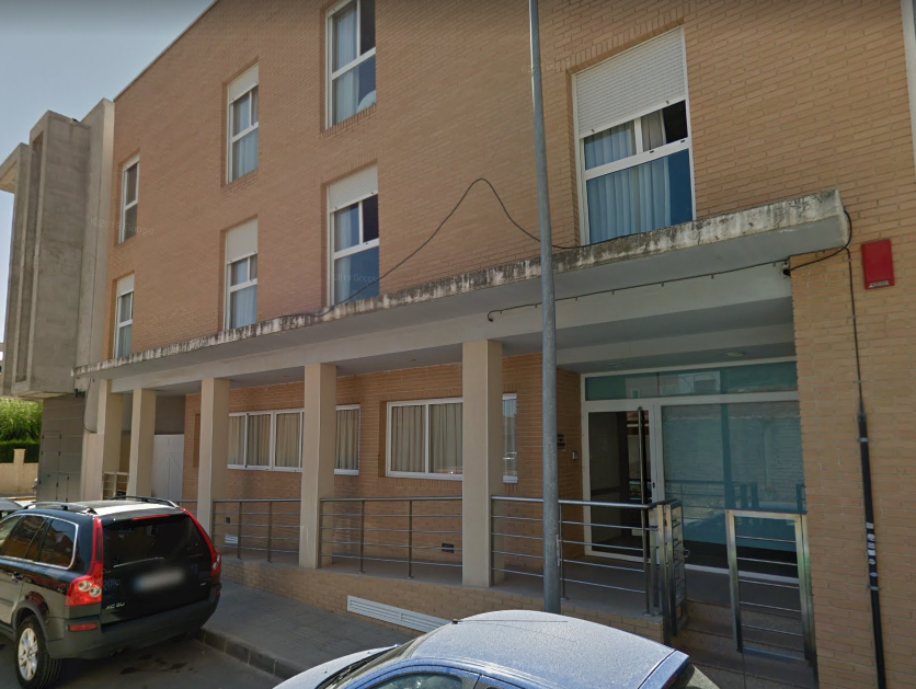 La UME desinfecta el geriátrico de Formentera del Segura donde ha habido 40 contagios 6