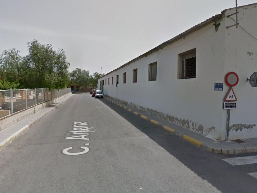 La retirada de las placas con amianto en un colegio de Rojales no supone ningún riesgo, según el consistorio 6