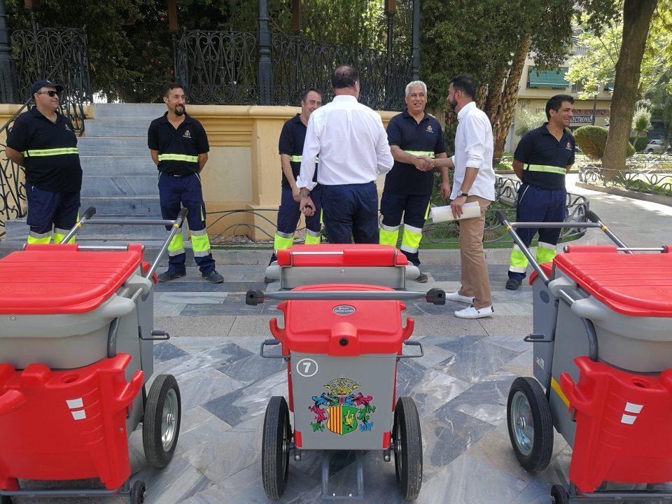 Orihuela presenta la nueva maquinaria y vehículos para la Limpieza Viaria 6