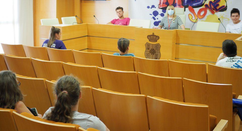 Daya Vieja recoge las necesidades de sus jóvenes 6