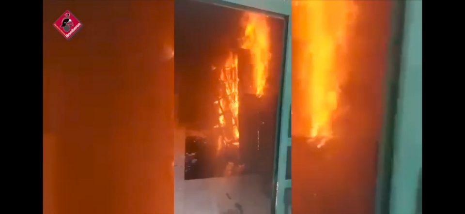 Confinado un edificio de cinco plantas en Orihuela por el humo de un incendio 6